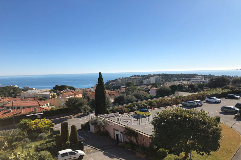 Photo Apartment Roquebrune-Cap-Martin  Rentals apartment  1 room   33 m²