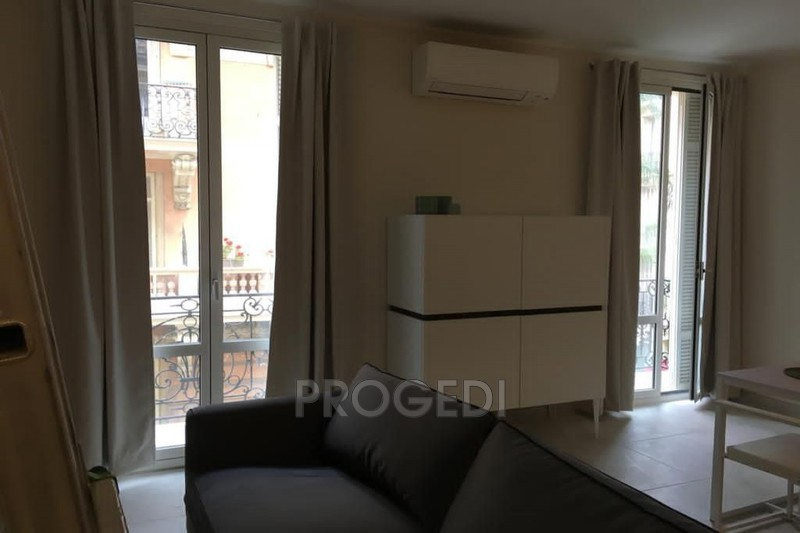 Photo Appartement Beausoleil Centre-ville,  Location appartement  3 pièces   72 m²