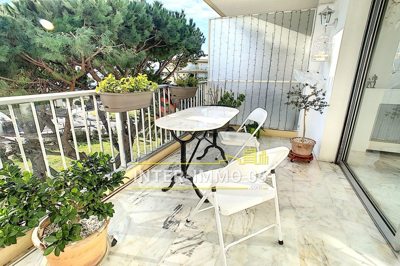 Photo Appartement Saint-Laurent-du-Var Les vespins,   achat appartement  3 pièces   65 m²