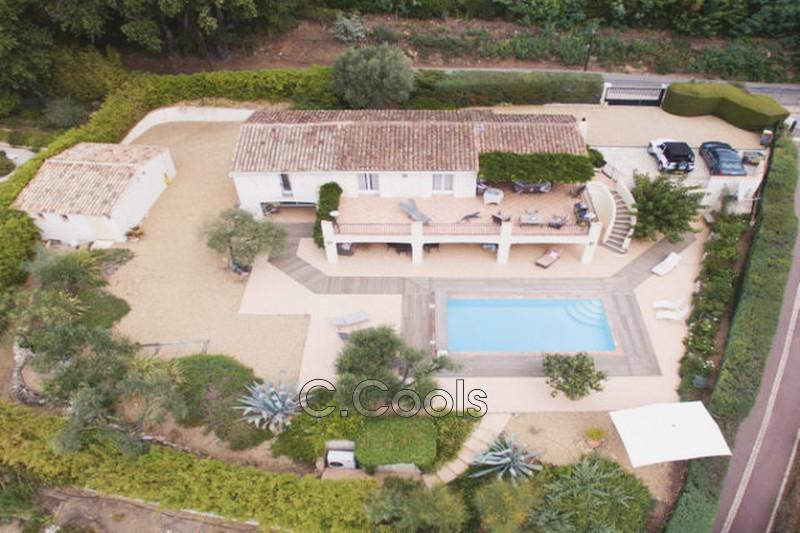 Villa Grimaud Proche village,   achat villa  4 chambres   187m²