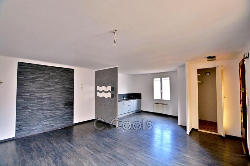 Maison de village Brignoles   achat maison de village  3 chambres   75m²