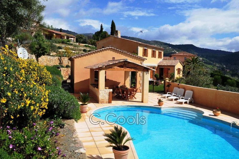 Photo Villa Seillans   achat villa  4 chambres   237m²
