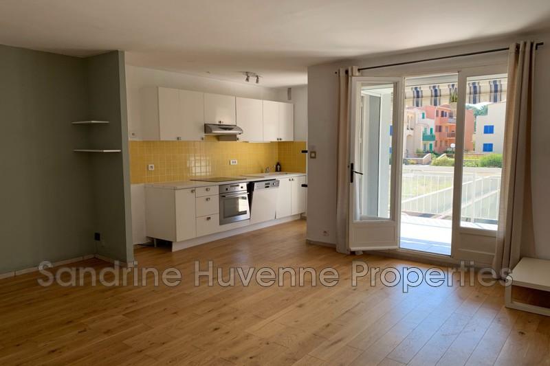 Photo n°2 - Vente appartement Cavalaire-sur-Mer 83240 - 215 000 €