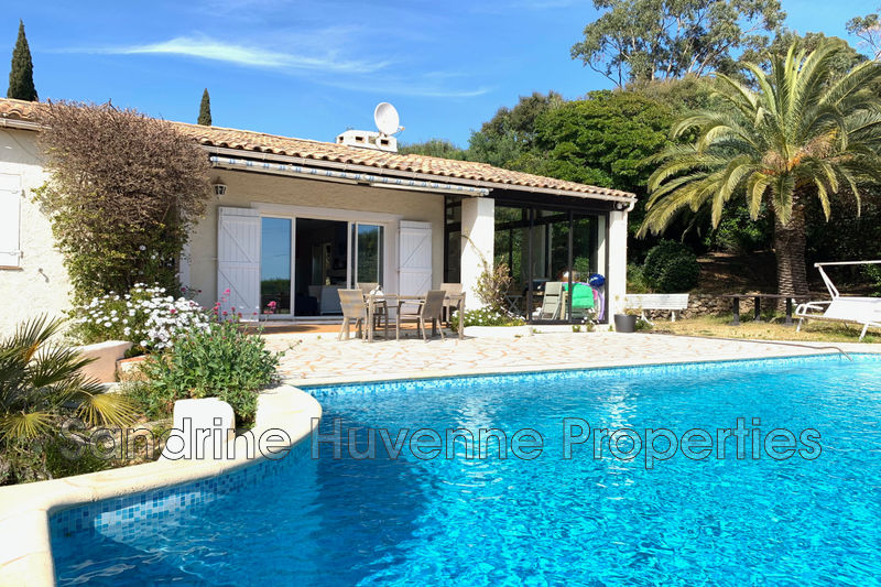 Photo Villa Cavalaire-sur-Mer Proche plages,   to buy villa  4 bedrooms   140 m²