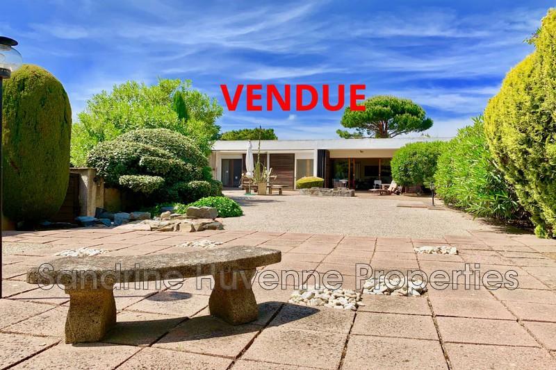 Photo Villa Grimaud Proche plages,   achat villa  2 chambres   90m²