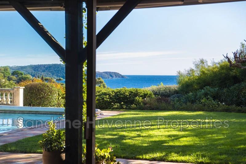 Villa La Croix-Valmer Proche plages,   achat villa  4 chambres   200m²