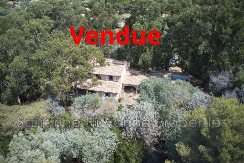 Photo Villa La Croix-Valmer Bord de mer,   achat villa  6 chambres   230m²