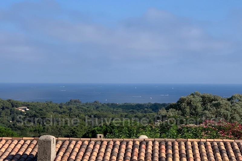 Photo Villa La Croix-Valmer   achat villa  4 chambres   157m²