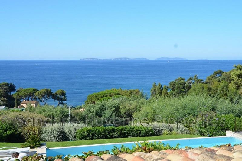 Photo Villa La Croix-Valmer Bord de mer,   achat villa  10 chambres   450m²