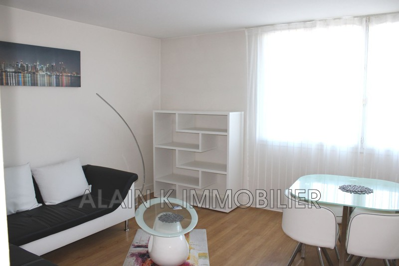 Photo Apartment Versailles  Location apartment  2 room   45 m²