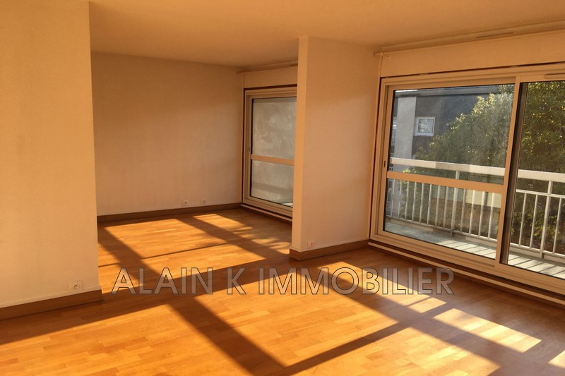 Photo Apartment Vélizy-Villacoublay Centre-ville,  Location apartment  2 room   64 m²