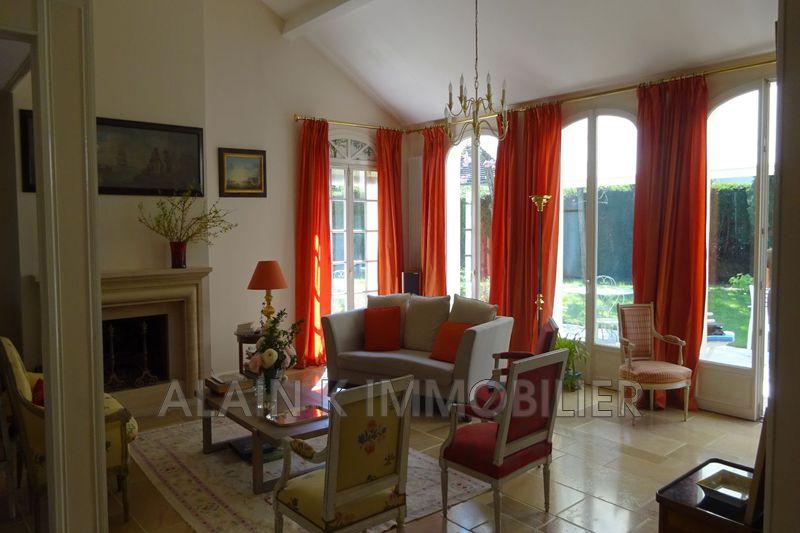 Photo n°6 - Vente maison contemporaine Noisy-le-Roi 78590 - 925 000 €