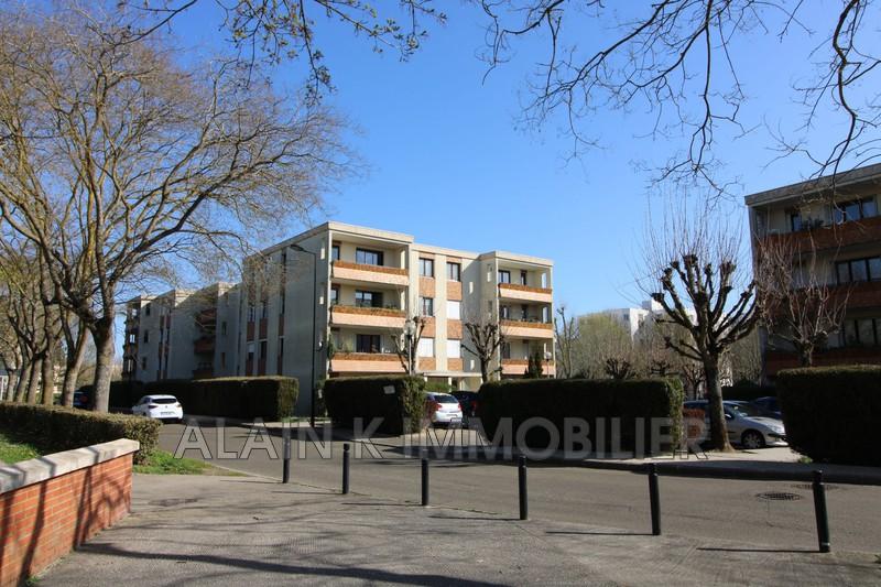 Photo Appartement Montigny-le-Bretonneux Centre-ville,   achat appartement  1 pièce   30m²