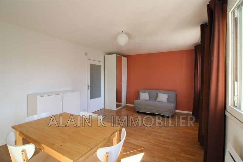 Photo Apartment Montigny-le-Bretonneux Centre-ville,   to buy apartment  1 room   30 m²