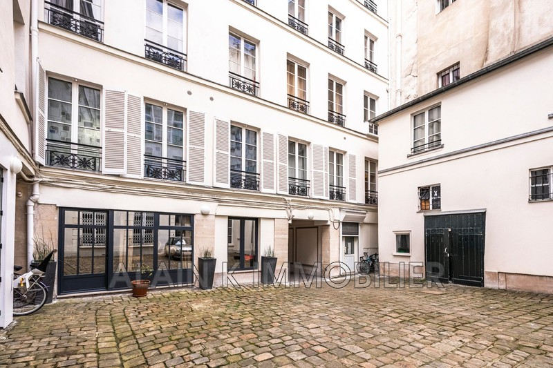 Photo Appartement Paris Centre-ville,   achat appartement  4 pièces   77 m²