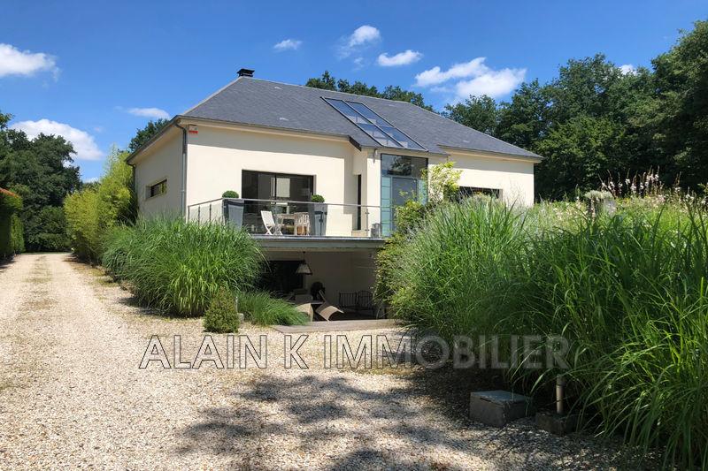 Photo Demeure de prestige Lamorlaye Village,   achat demeure de prestige  5 chambres   363m²