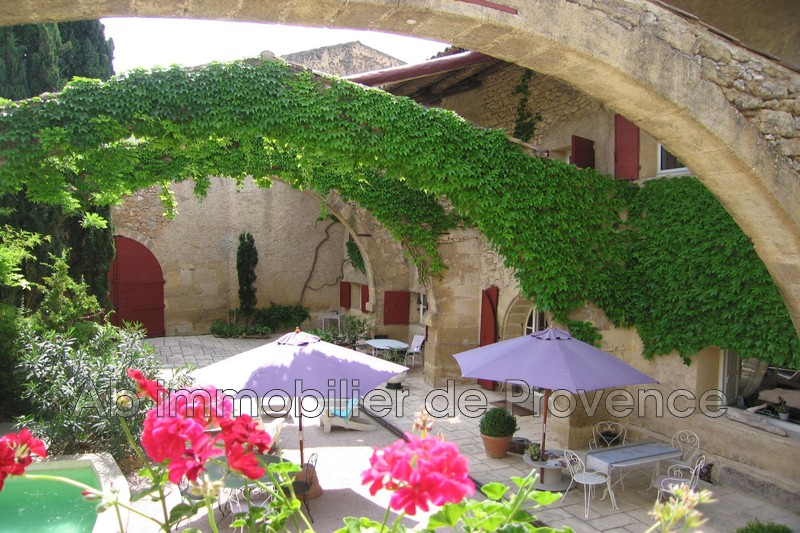 Photo Property Rognes   to buy property  5 bedroom   380 m²