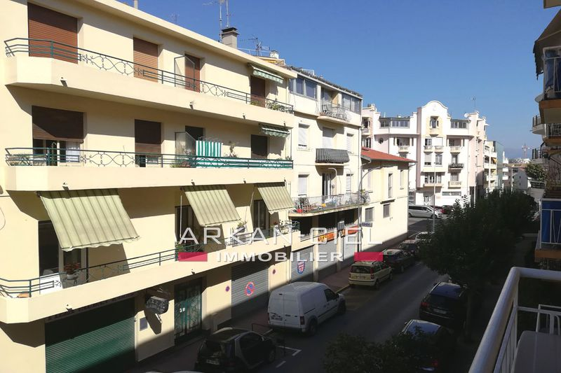 Photo Apartment Antibes Centre-ville,   to buy apartment  3 rooms   65 m²