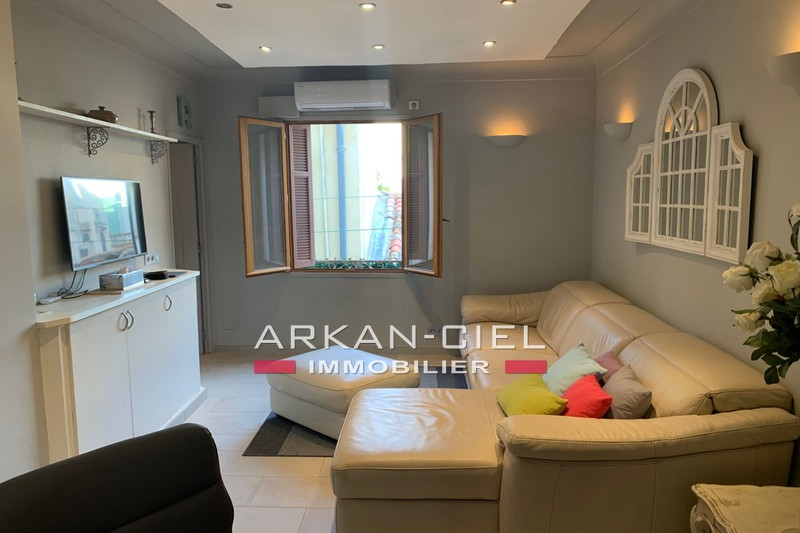 Photo Apartment Antibes Vieil antibes,   to buy apartment  3 rooms   46 m²