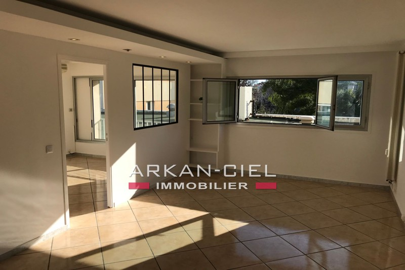 Photo Appartement Antibes Centre-ville,   achat appartement  3 pièces   65 m²