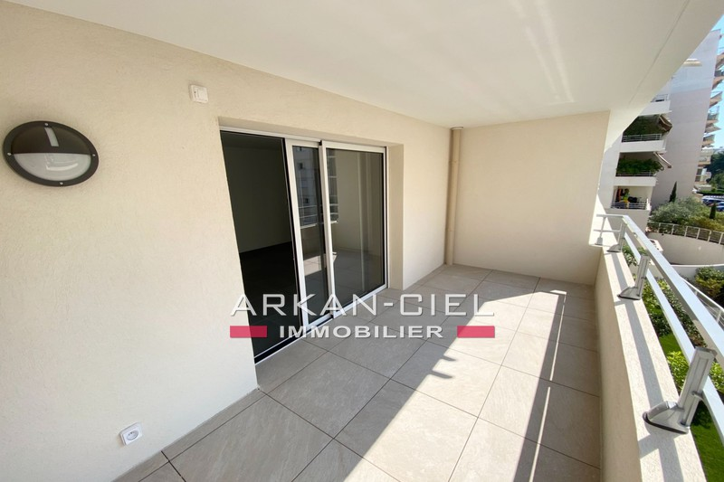 Photo Apartment Antibes Centre-ville,   to buy apartment  3 rooms   67 m²