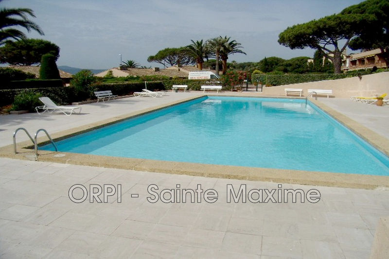 Photo Appartement Sainte-Maxime Proche plages,  Location saisonnière appartement  2 pièces   30m²