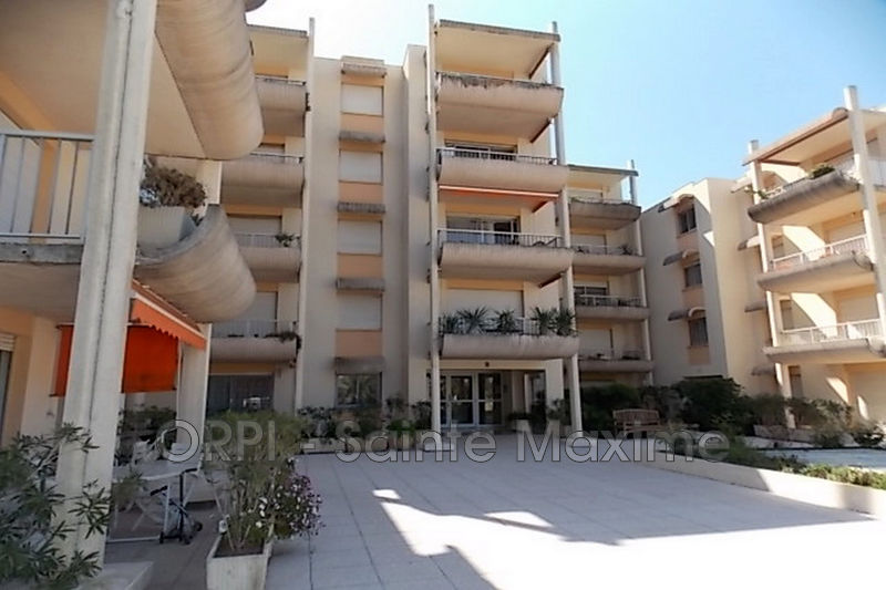 Photo Apartment Sainte-Maxime Centre-ville,  Vacation rental apartment  2 rooms   40 m²