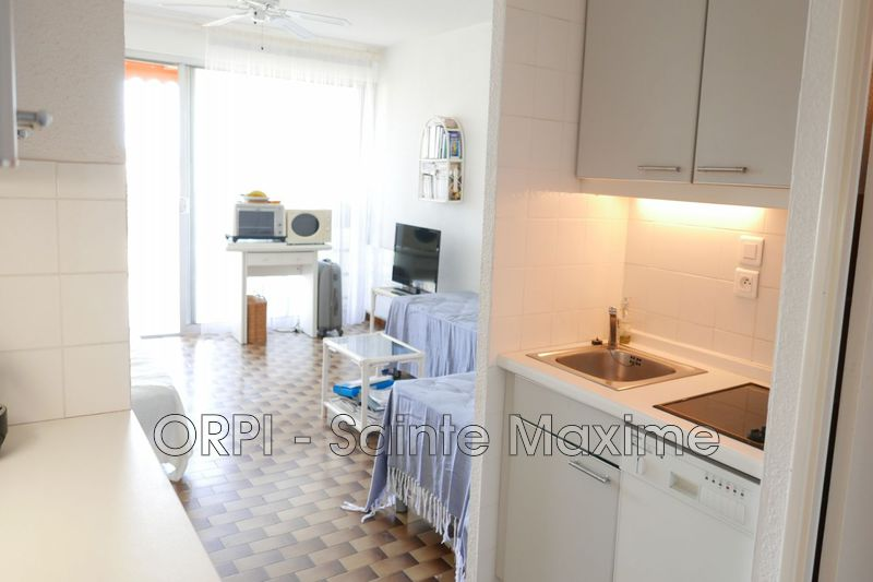 Photo Apartment Sainte-Maxime  Vacation rental apartment  1 room   28 m²