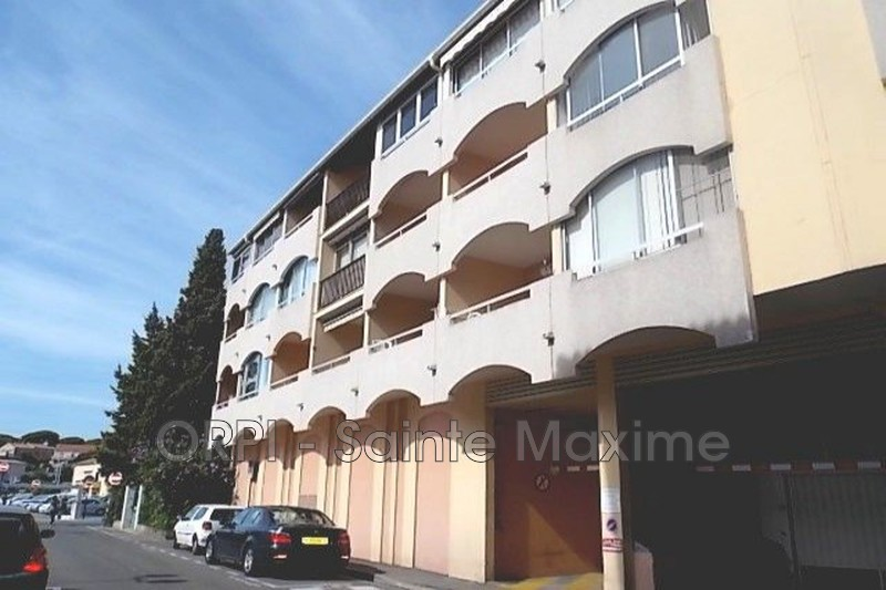 Photo Apartment Sainte-Maxime Centre-ville,  Vacation rental apartment  2 rooms   28 m²