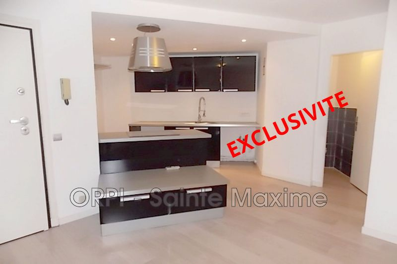 Photo Appartement Sainte-Maxime Centre-ville,   achat appartement  2 pièces   44 m²
