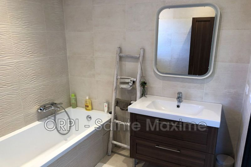 Photo n°10 - Vente Maison villa provençale Le Plan-de-la-Tour 83120 - 540 000 €