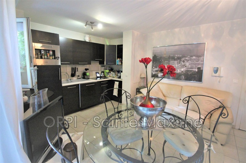 Photo Appartement Sainte-Maxime Centre-ville,   achat appartement  2 pièces   39 m²