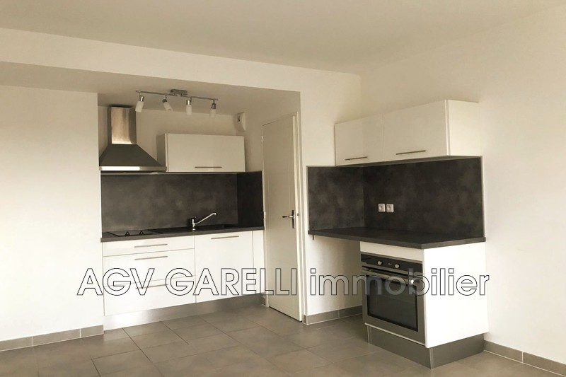Photo n°1 - Location appartement Toulon 83100 - 633 €