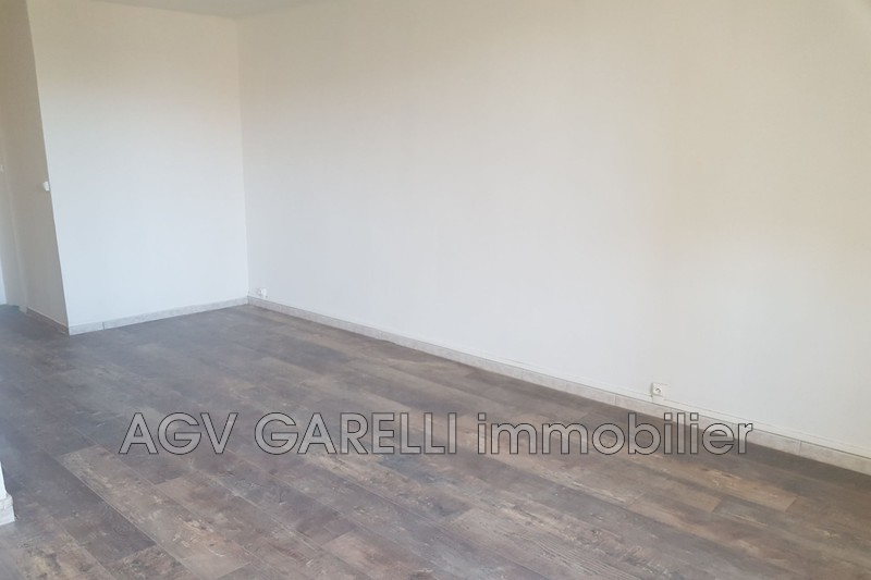 Photo n°4 - Location appartement La Crau 83260 - 825 €