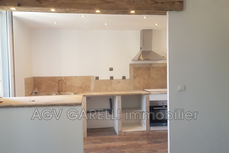 Photo n°2 - Location appartement La Crau 83260 - 825 €