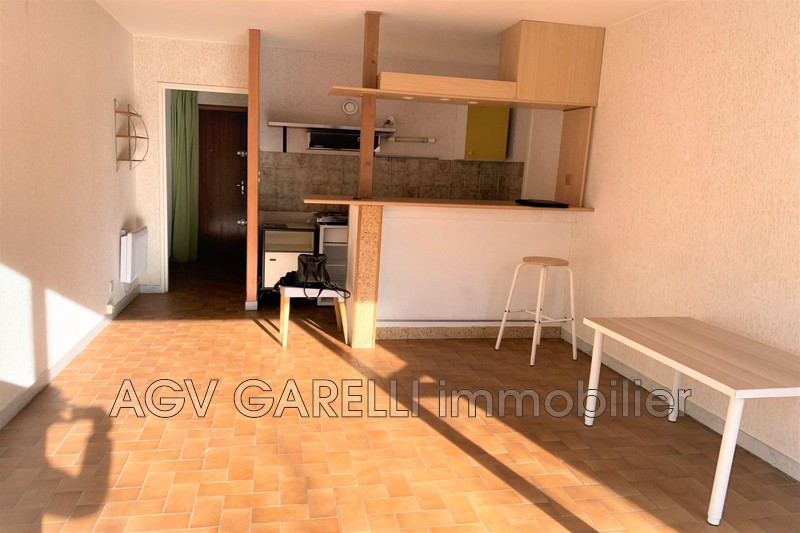 Photo n°2 - Location appartement Toulon 83000 - 485 €