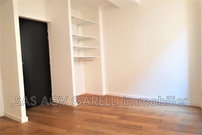 Photo n°2 - Location appartement Hyères 83400 - 420 €