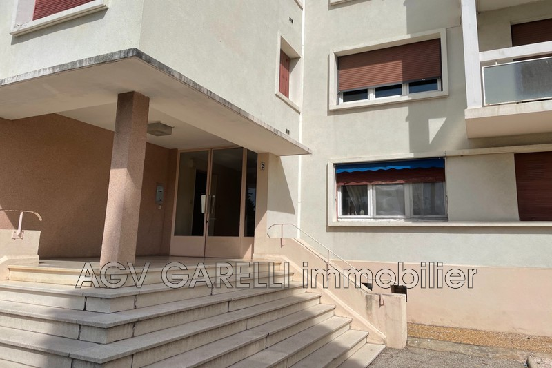Photo n°7 - Location appartement Hyères 83400 - 690 €