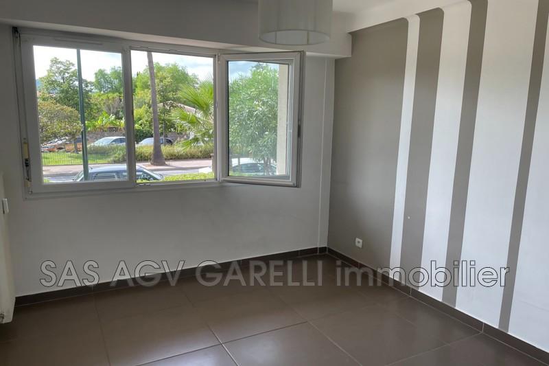 Photo n°2 - Location appartement Hyères 83400 - 690 €