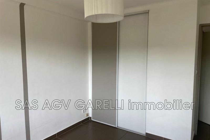 Photo n°3 - Location appartement Hyères 83400 - 690 €