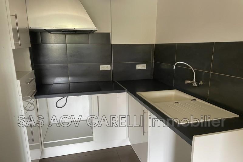 Photo n°4 - Location appartement Hyères 83400 - 690 €