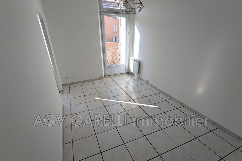 Photo n°3 - Location appartement Toulon 83100 - 469 €