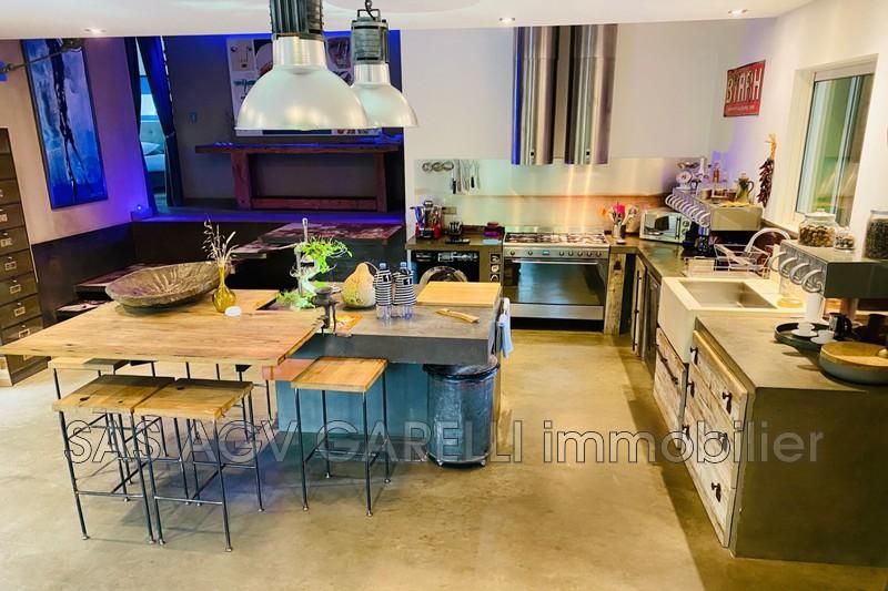 Photo n°3 - Location maison contemporaine Hyères 83400 - 3 200 €