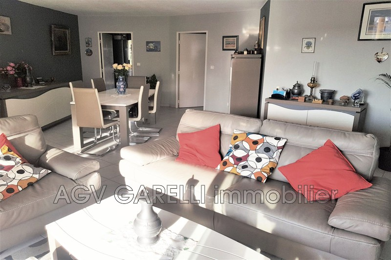 Photo n°2 - Vente appartement Hyères 83400 - 396 000 €