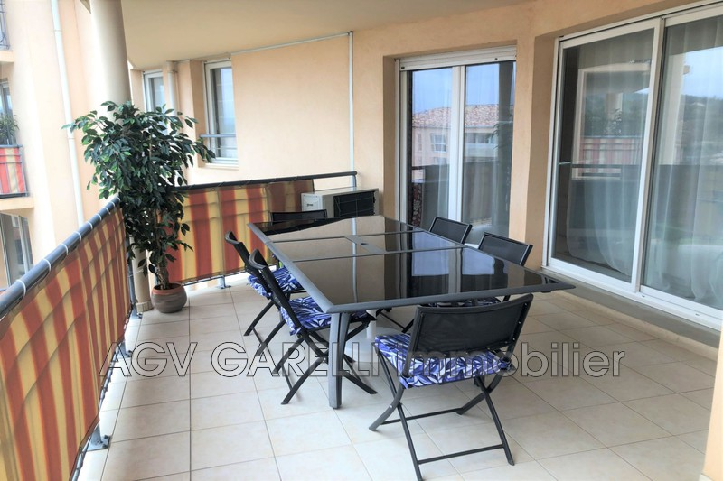 Photo n°2 - Vente appartement Hyères 83400 - 369 000 €