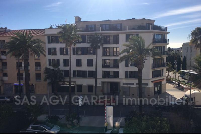 Photo n°1 - Vente appartement Hyères 83400 - 269 850 €