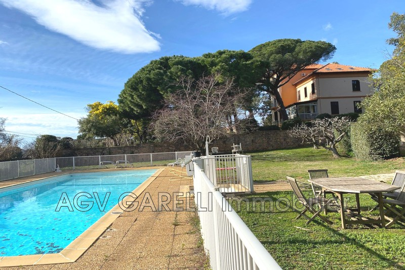 Photo n°6 - Vente appartement La Londe-les-Maures 83250 - 107 000 €