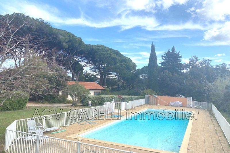 Photo n°1 - Vente appartement La Londe-les-Maures 83250 - 107 000 €