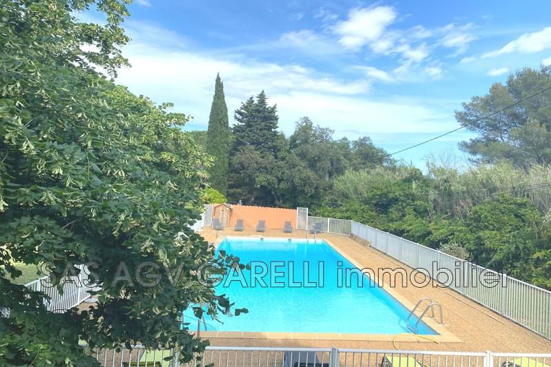 Photo n°2 - Vente appartement La Londe-les-Maures 83250 - 107 000 €