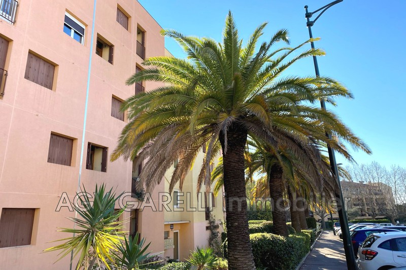 Photo n°1 - Vente appartement Hyères 83400 - 174 000 €